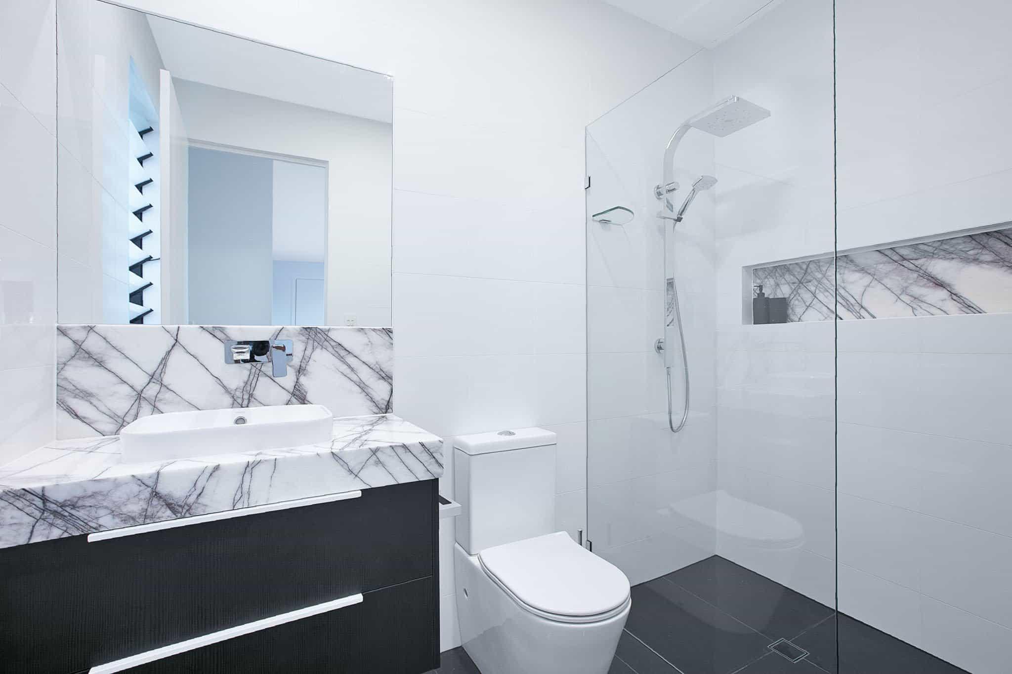 UrbanKitchensJoinery_Tarragindi-Bathroom11