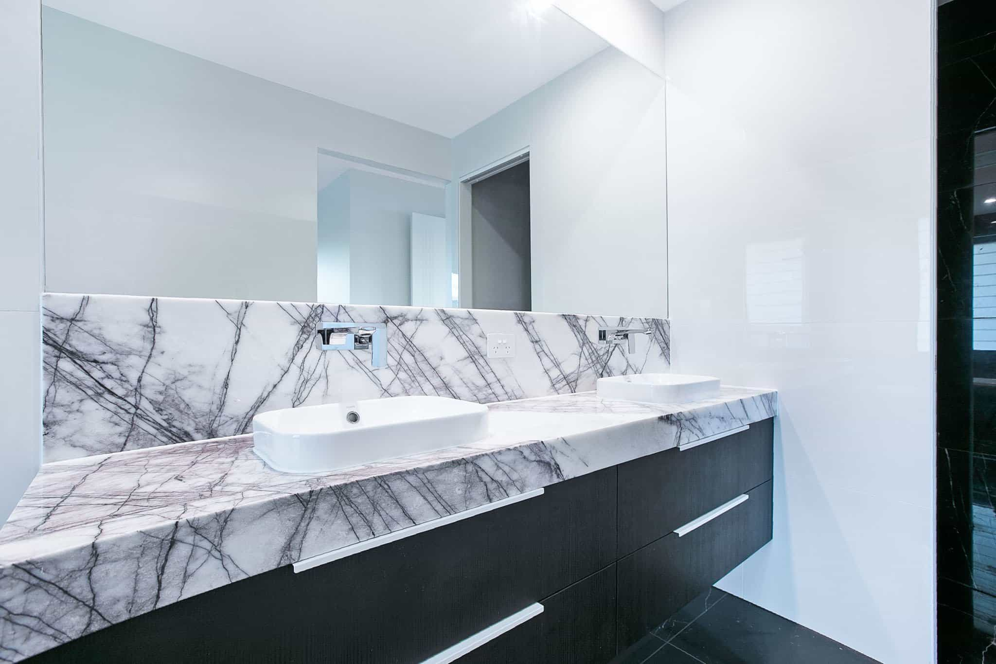 UrbanKitchensJoinery_Tarragindi-Bathroom8